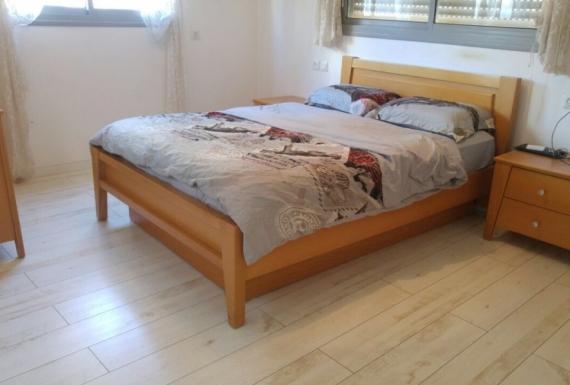 פרקט למינציה לבן לחדר שינה