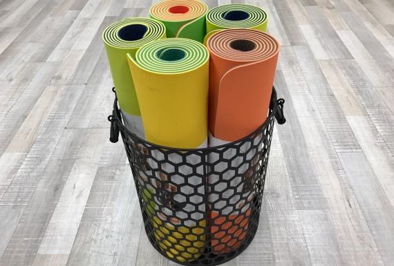 מזרוני יוגה עגולים צבעוניים