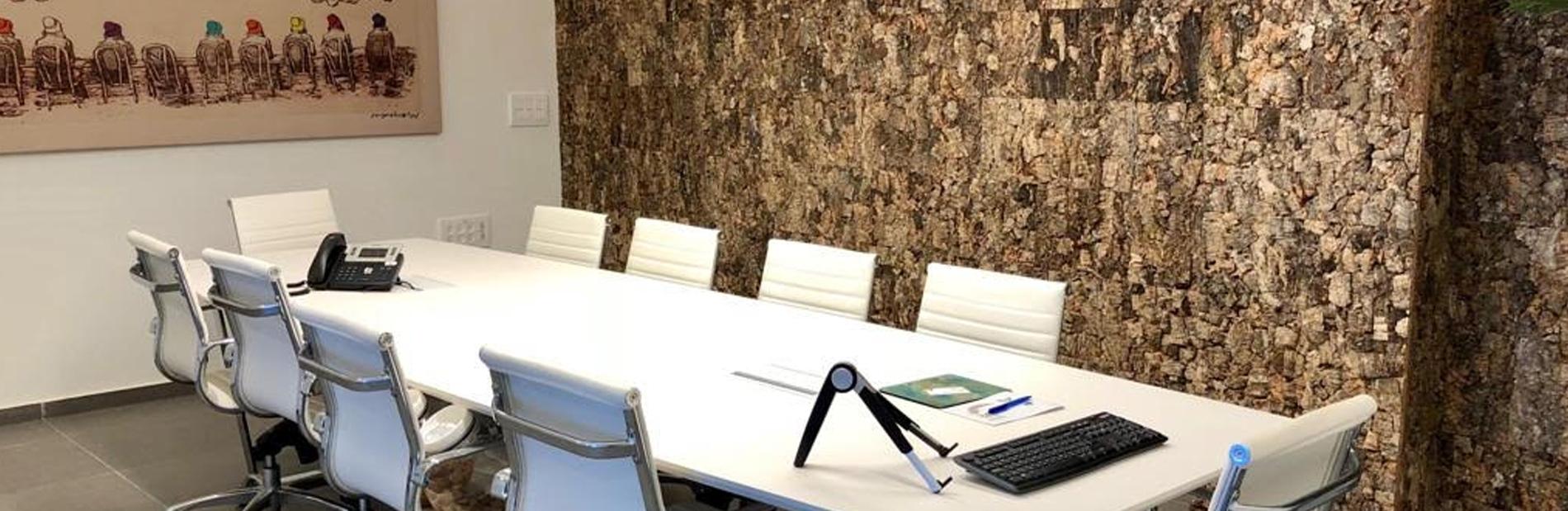 חיפוי שעם לקירות משרדים