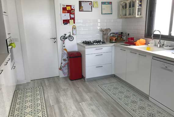 פרקט לבן למטבח