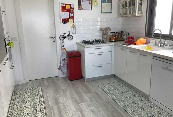 פרקט במטבח בהוד השרון