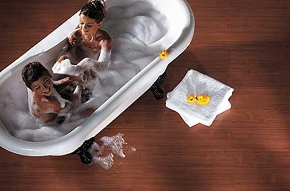 פרקט עמיד במים לאמבטיה