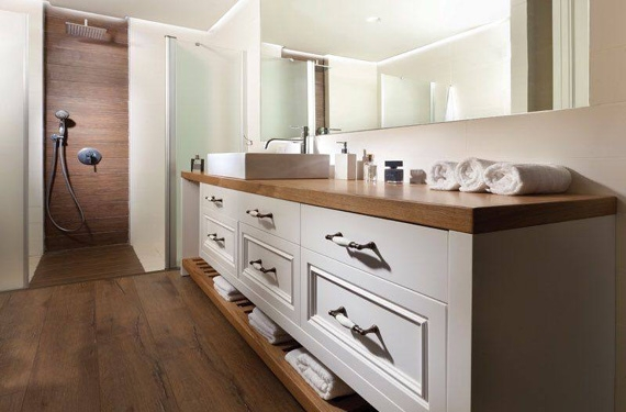 פרקט דמוי עץ לאמבטיה