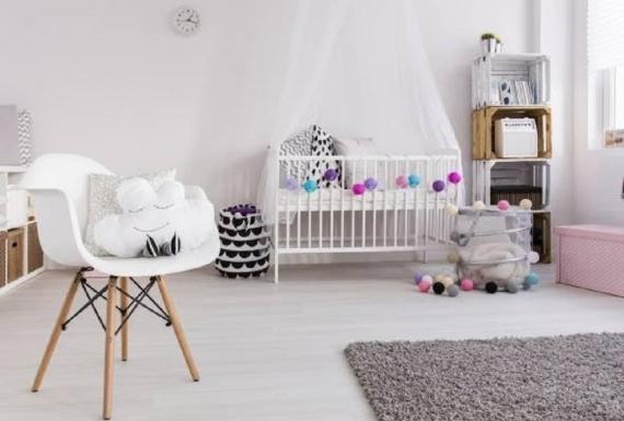 פרקט בצבע לבן בחדר ילדים